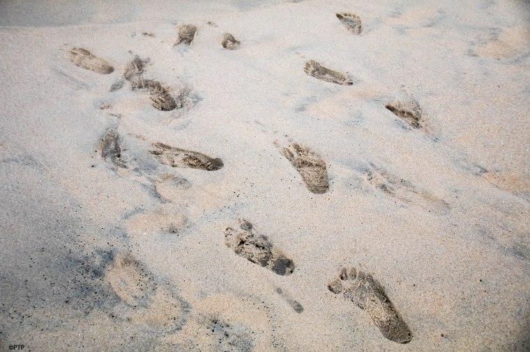 Foot impression-beach