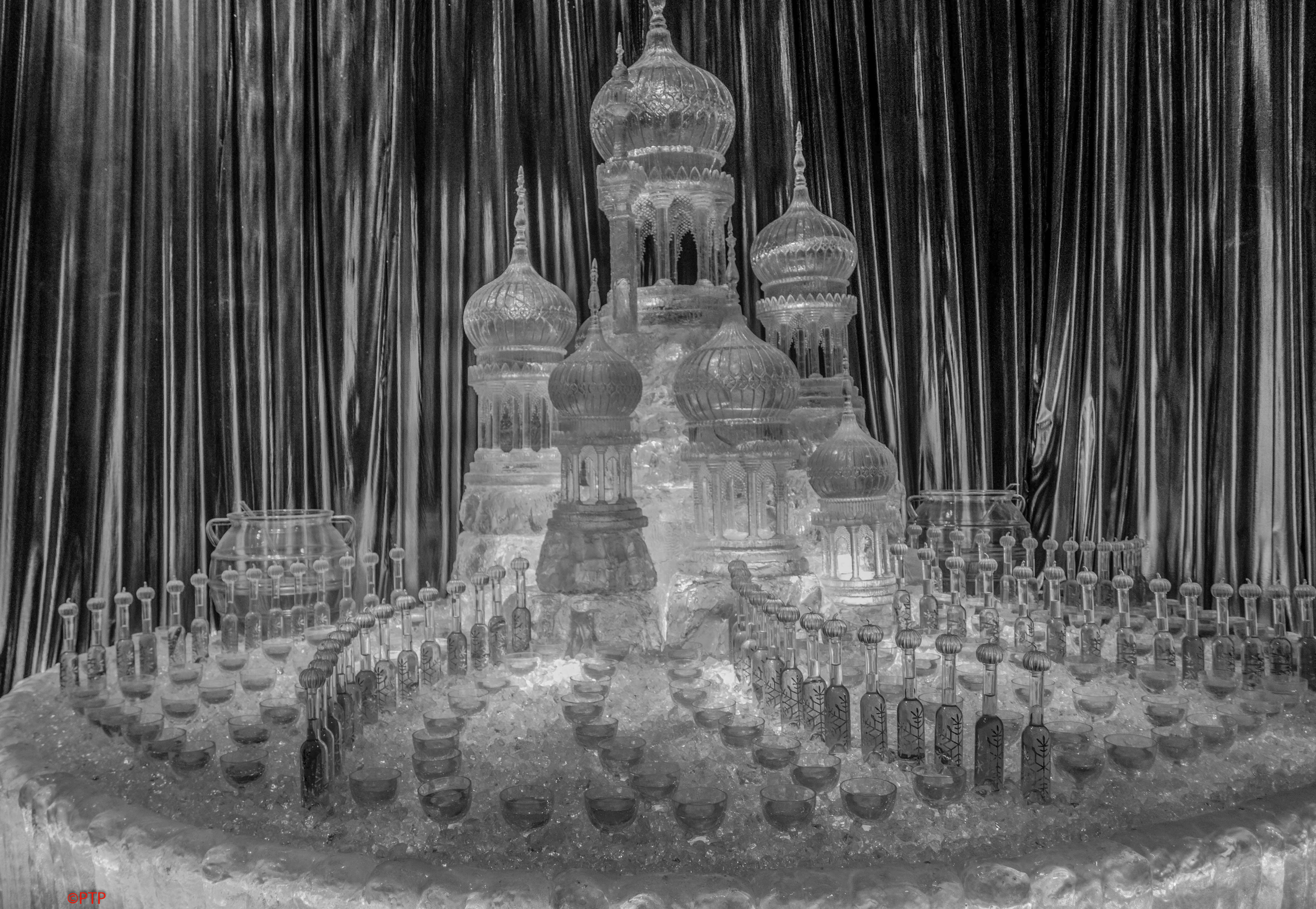 Colorless palace